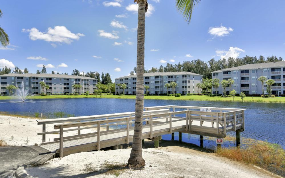 16675 Lake Circle Dr #916, Fort Myers - Condo For Sale 172328466