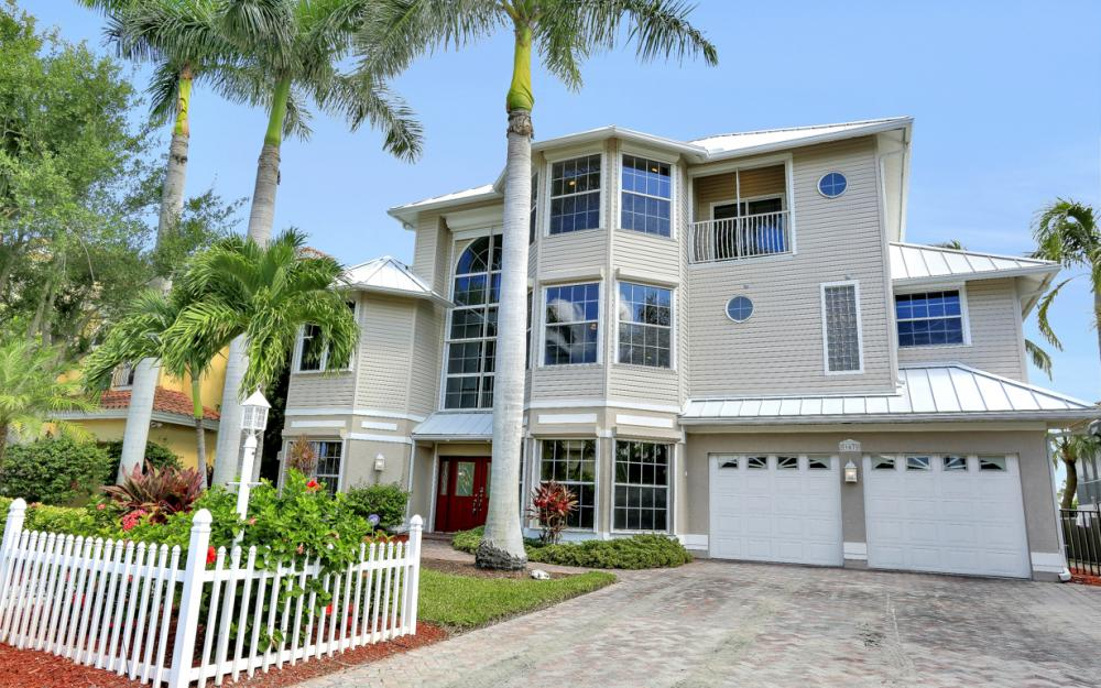 307 Oak Ave, Naples - Home For Sale 52048249