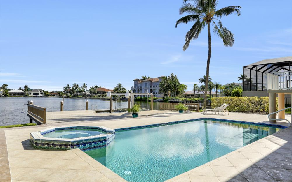 307 Oak Ave, Naples - Home For Sale 655051736