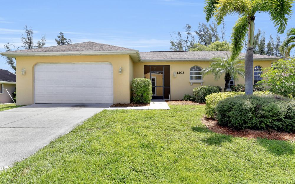 1203 SW 15th Pl, Cape Coral - Home For Sale 2085248422