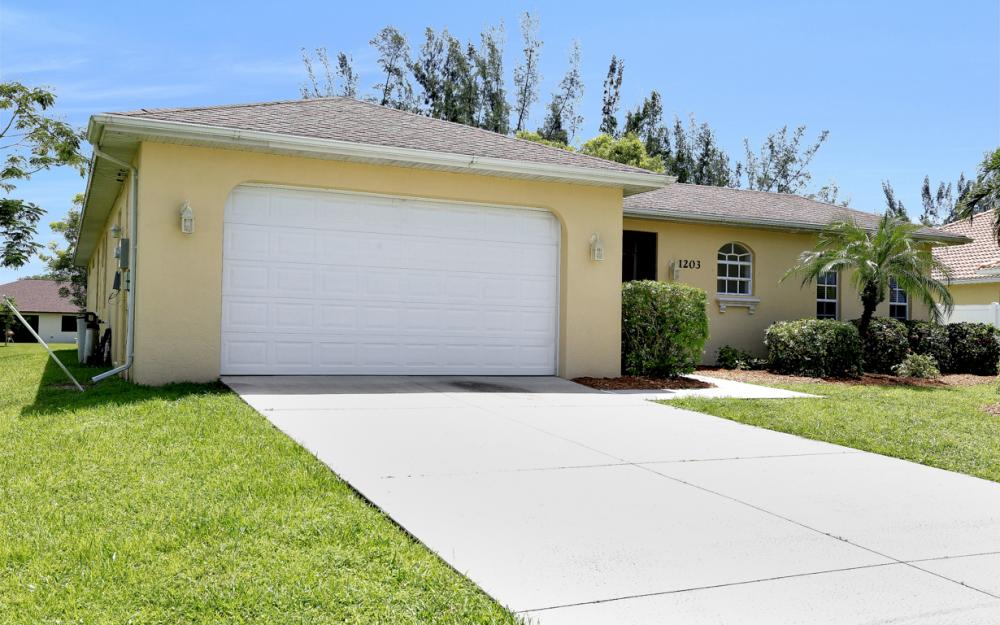 1203 SW 15th Pl, Cape Coral - Home For Sale 603806878