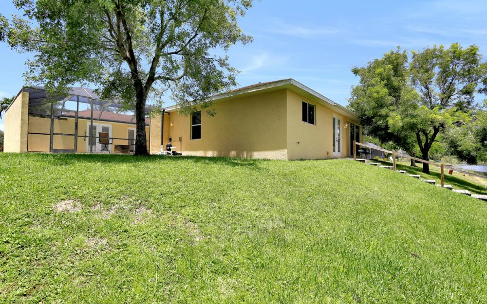 1203 SW 15th Pl, Cape Coral - Home For Sale 939867881