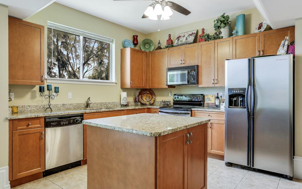 1203 SW 15th Pl, Cape Coral - Home For Sale 1908845571