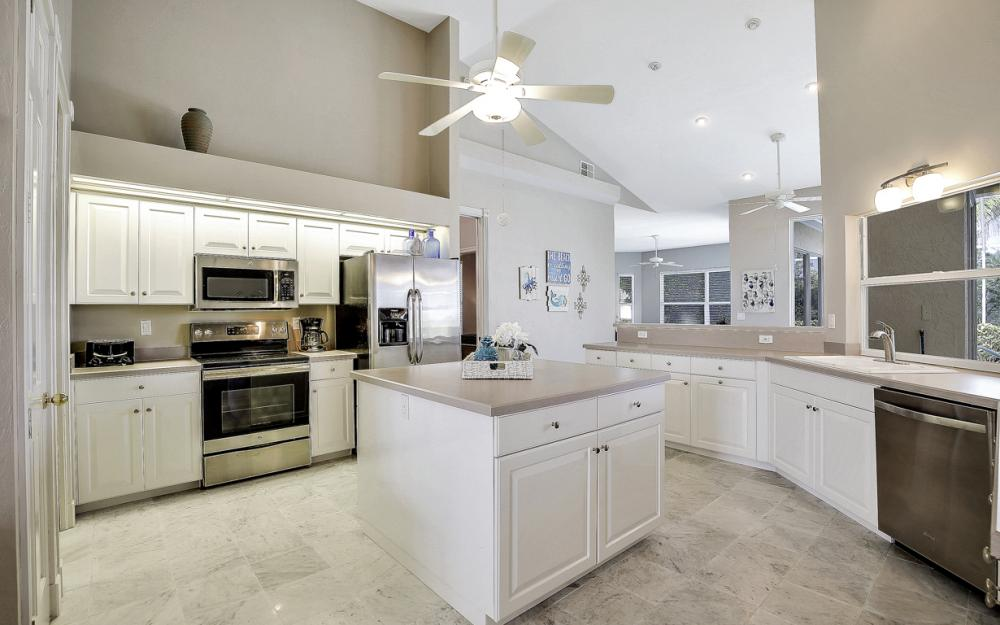 28901 Trenton Ct, Bonita Springs - Home For Sale 169385970