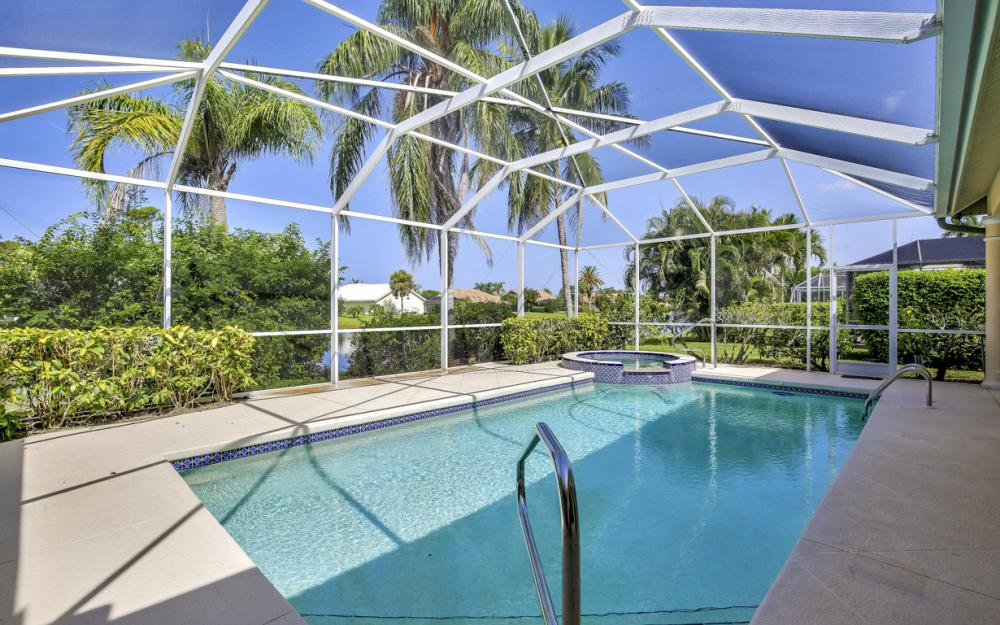 28901 Trenton Ct, Bonita Springs - Home For Sale 137844223