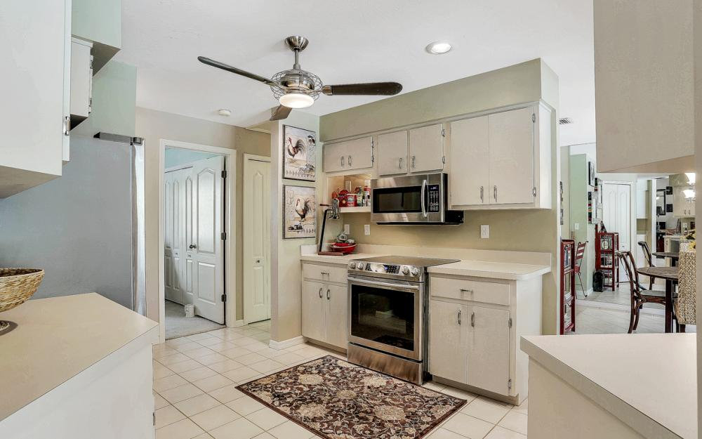 16208 Forest Oaks Dr, Fort Myers - Home For Sale 1053384420