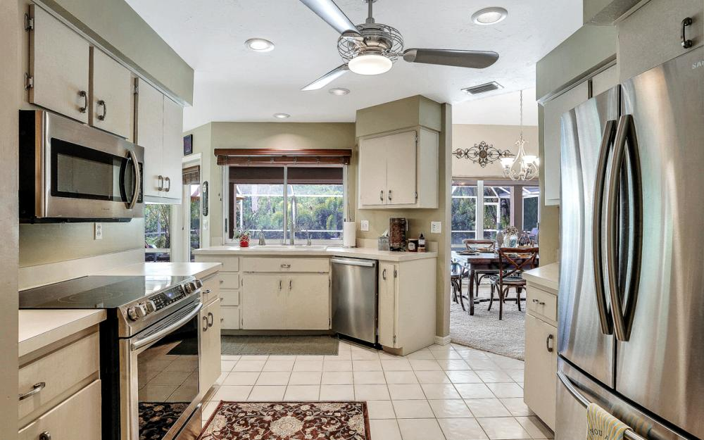 16208 Forest Oaks Dr, Fort Myers - Home For Sale 112795784