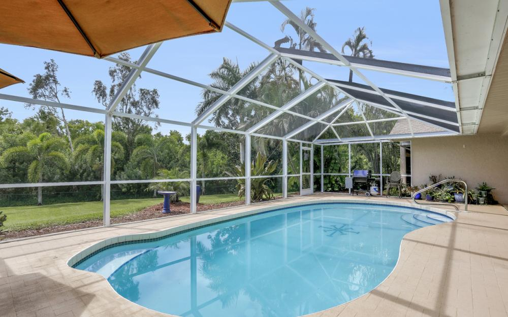 16208 Forest Oaks Dr, Fort Myers - Home For Sale 2033374468