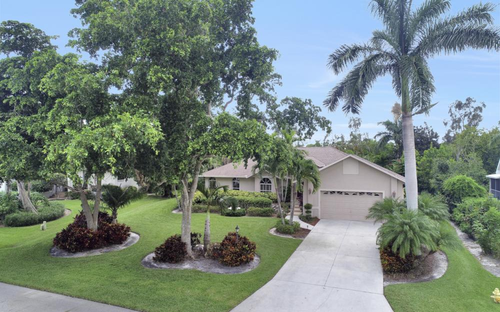 16208 Forest Oaks Dr, Fort Myers - Home For Sale 1677849617