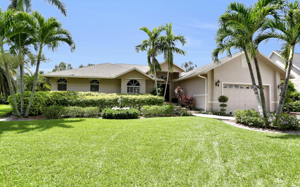 16208 Forest Oaks Dr, Fort Myers - Home For Sale 36144027