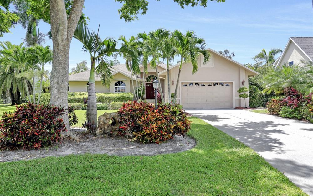 16208 Forest Oaks Dr, Fort Myers - Home For Sale 2017693971