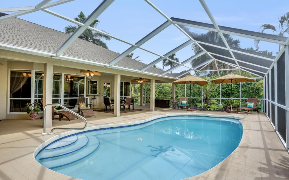 16208 Forest Oaks Dr, Fort Myers - Home For Sale 1041129627