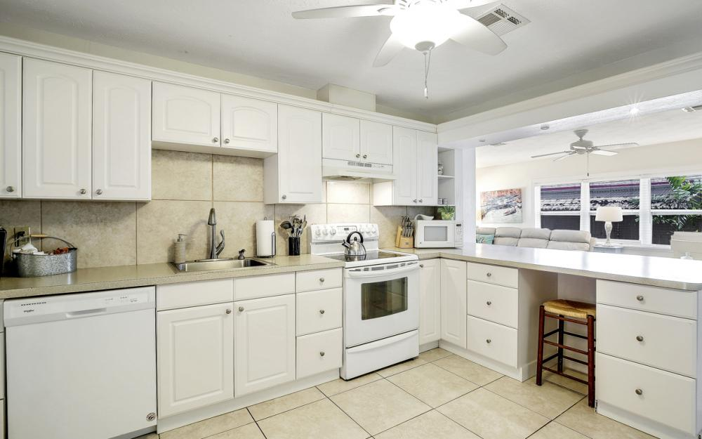 228 Fairweather Ln, Fort Myers Beach - Vacation Rental 362475257