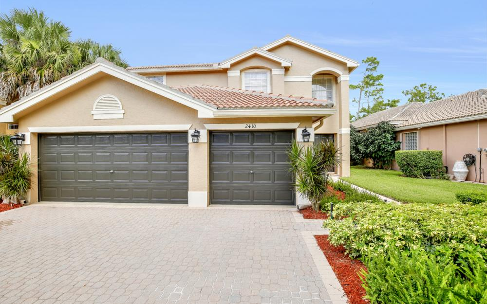 2410 Butterfly Palm Dr, Naples - Home For Sale 264673296