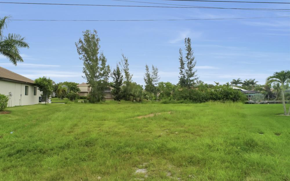 2301 SW 39th St, Cape Coral - Lot For Sale 691816121