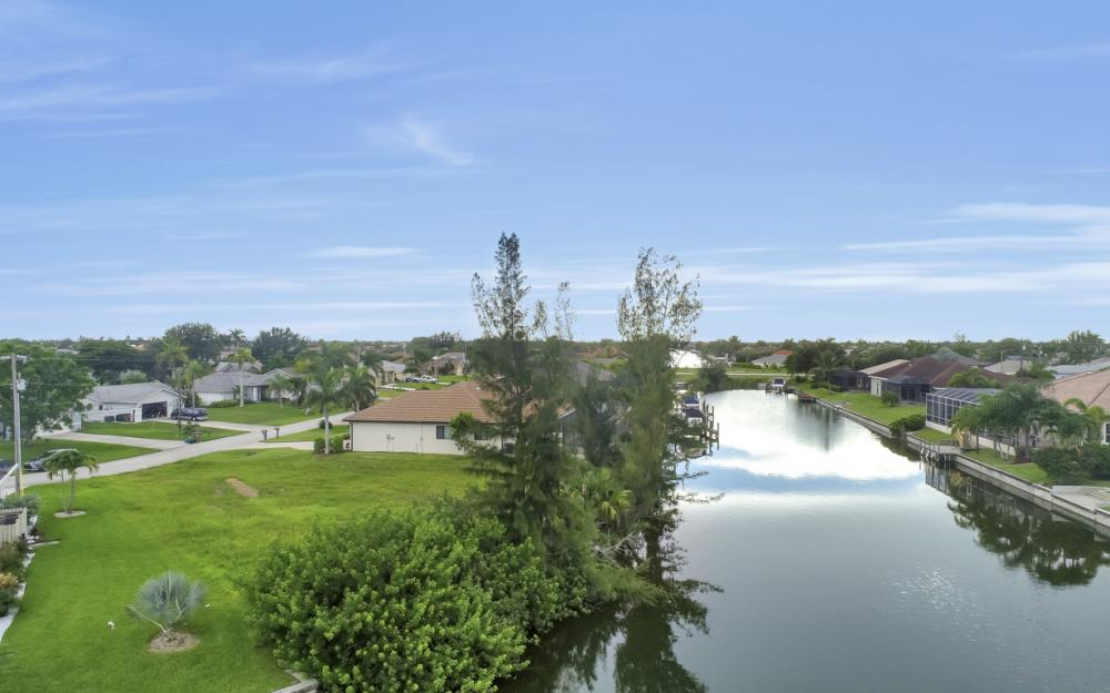 2301 SW 39th St, Cape Coral - Lot For Sale 1879119333