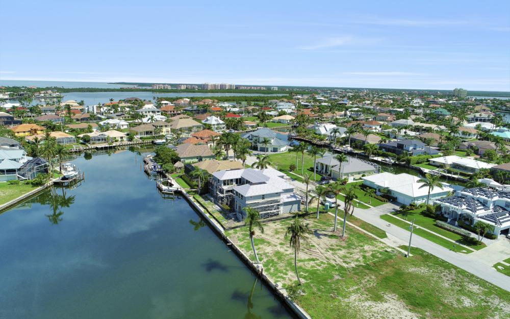 685 Cameo Ct, Marco Island - Lot For Sale 1970076328