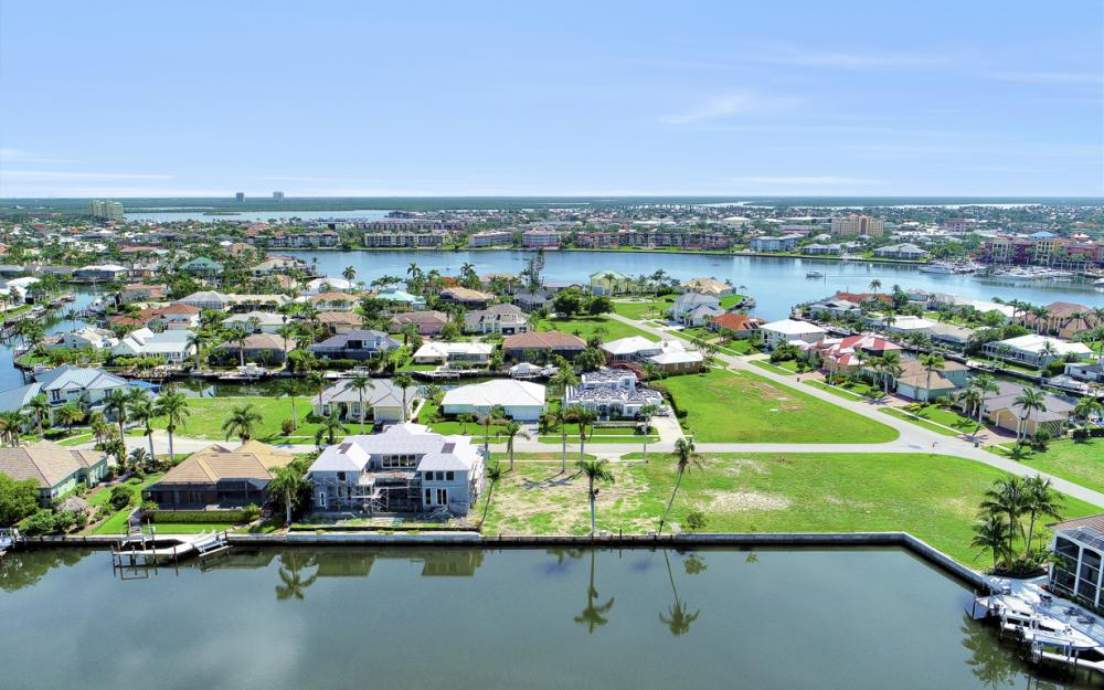 685 Cameo Ct, Marco Island - Lot For Sale 106716893