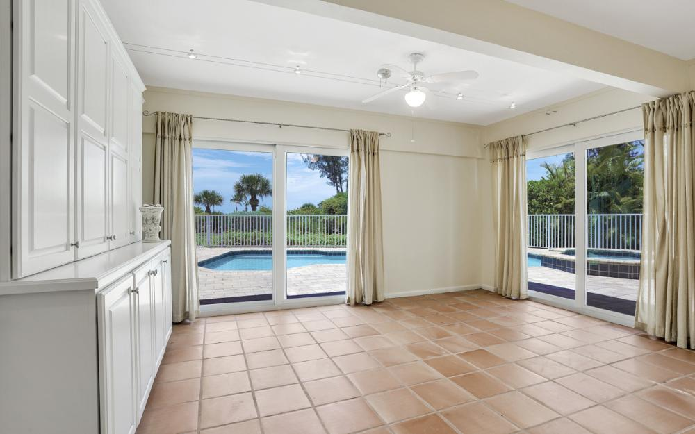 1320 Seaspray Ln, Sanibel - Home For Sale 1122738553