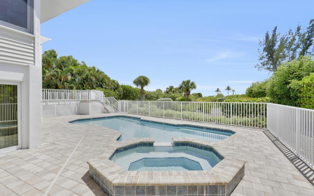 1320 Seaspray Ln, Sanibel - Home For Sale 512269909