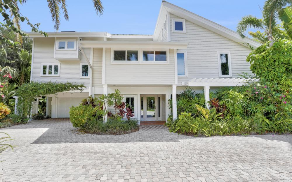 1320 Seaspray Ln, Sanibel - Home For Sale 380057261