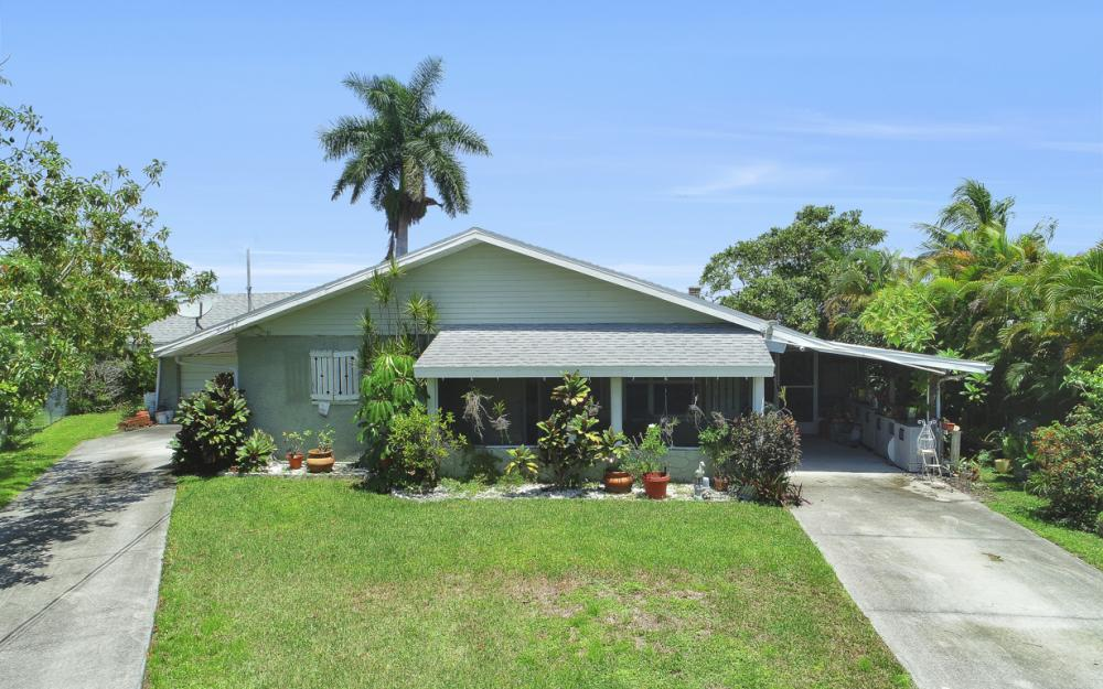2014 Aruba Ave, Fort Myers - Home For Sale 181965298