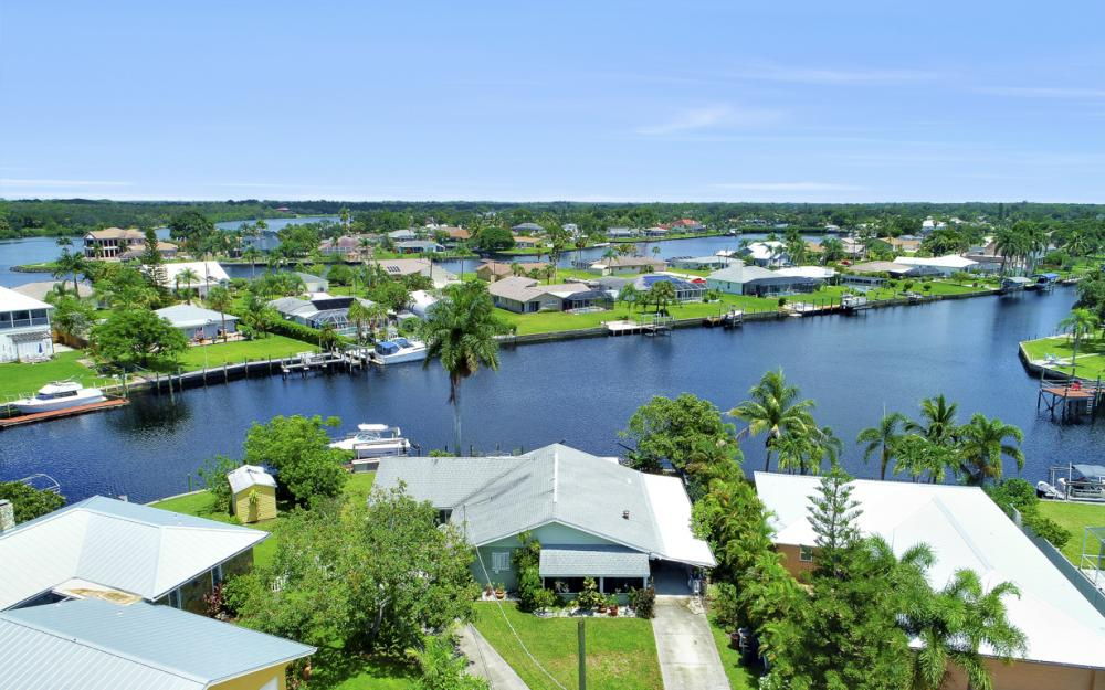 2014 Aruba Ave, Fort Myers - Home For Sale 1943899588