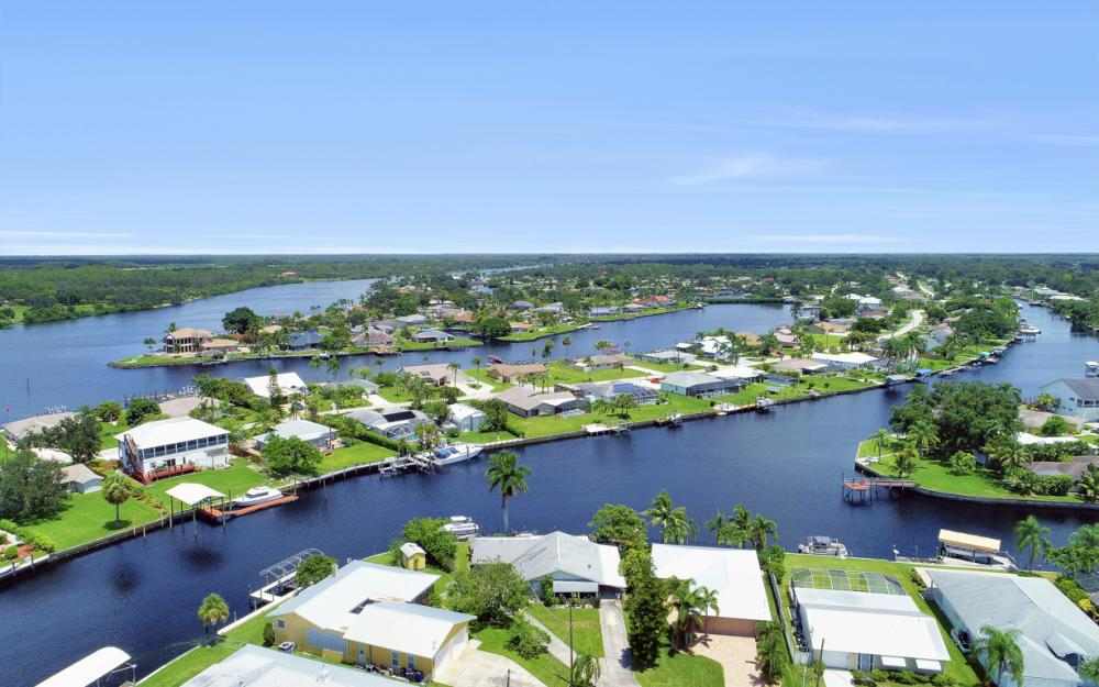 2014 Aruba Ave, Fort Myers - Home For Sale 1191530599