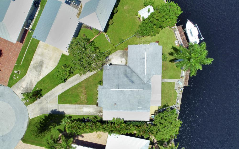 2014 Aruba Ave, Fort Myers - Home For Sale 1950201541