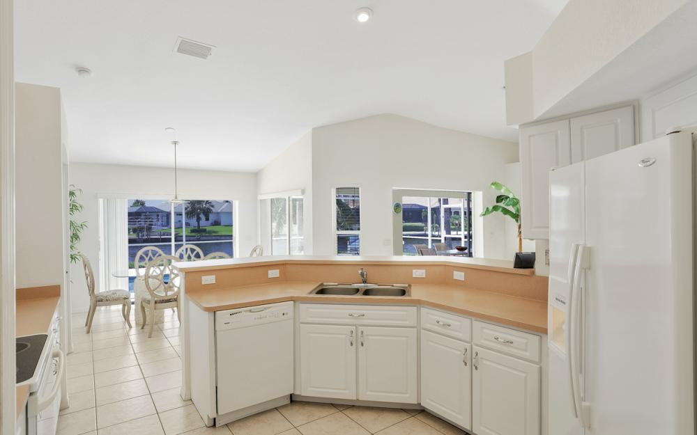 2800 SW 36th St, Cape Coral - Home For Sale 493008146