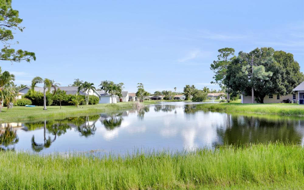 9897 Country Oaks Dr, Fort Myers - Home For Sale 86785954