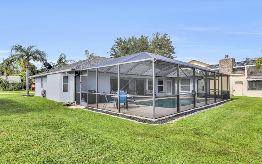 9897 Country Oaks Dr, Fort Myers - Home For Sale 129310632