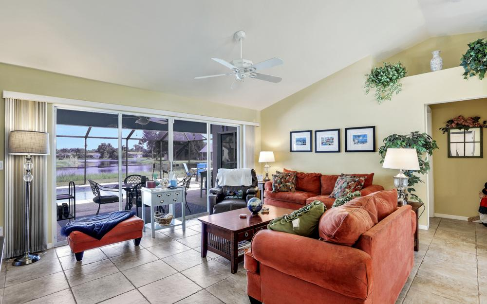 9897 Country Oaks Dr, Fort Myers - Home For Sale 1479595951