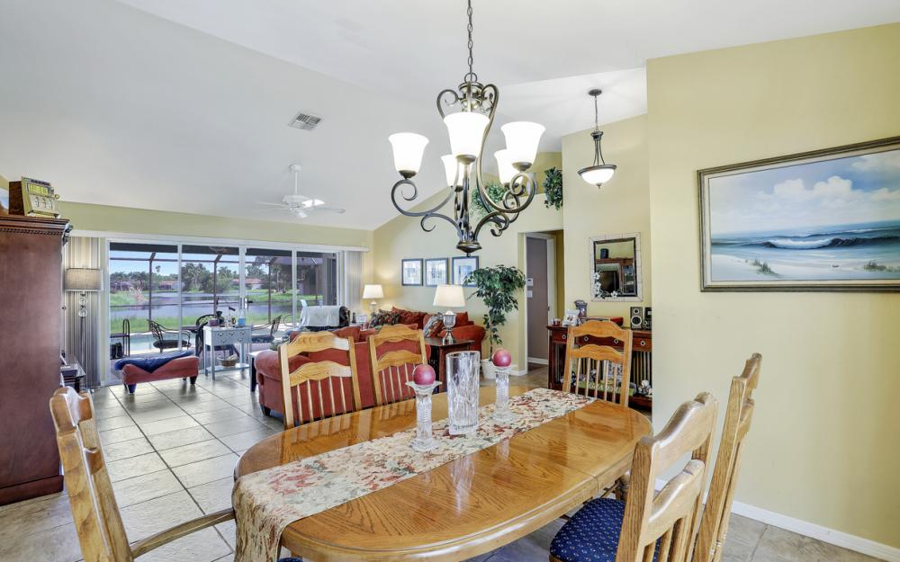 9897 Country Oaks Dr, Fort Myers - Home For Sale 1711867790