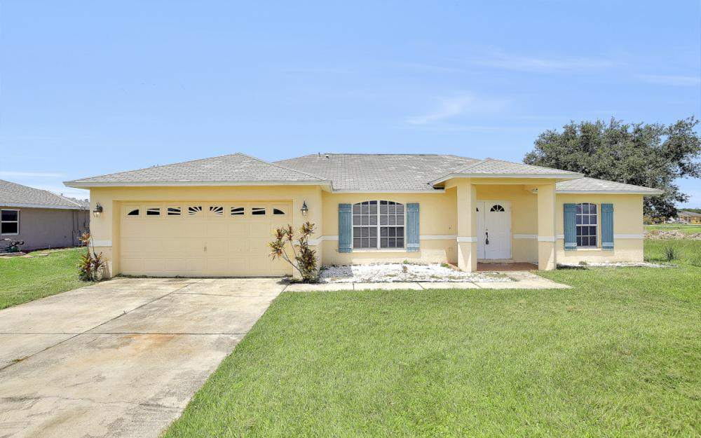 816 Unger Ave, Fort Myers - Home For Sale 1192450356