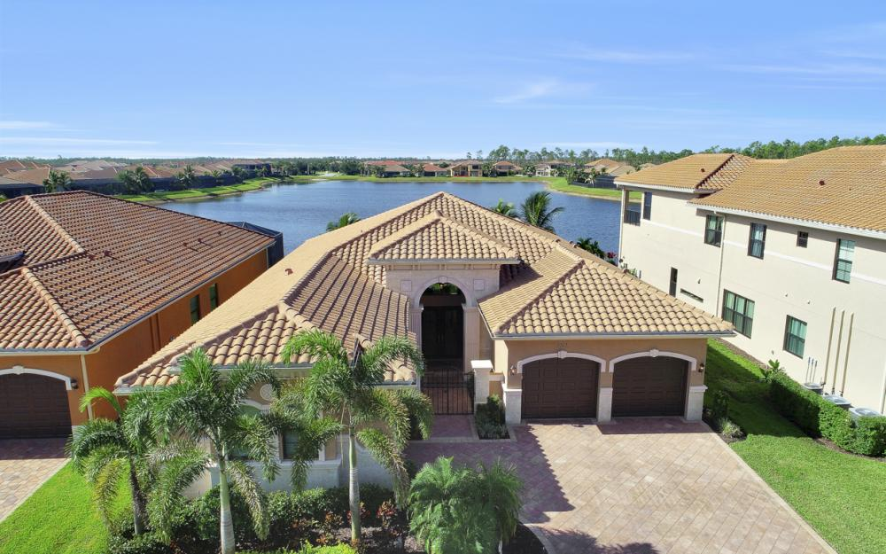 2923 Cinnamon Bay Cir, Naples - Home For Sale 669639525