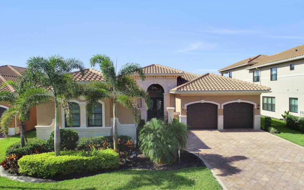 2923 Cinnamon Bay Cir, Naples - Home For Sale 803011831