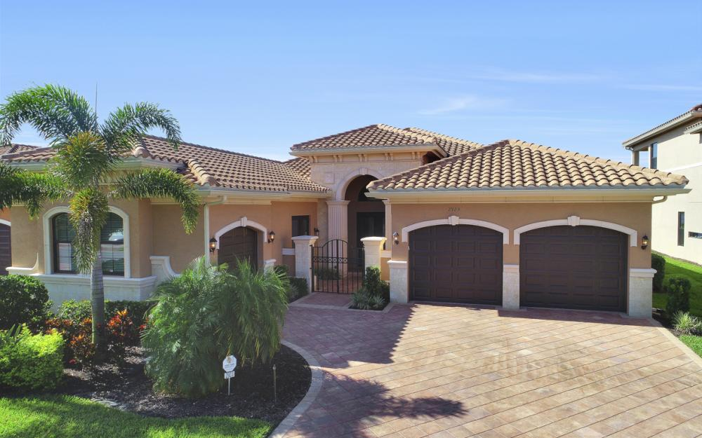 2923 Cinnamon Bay Cir, Naples - Home For Sale 953583495