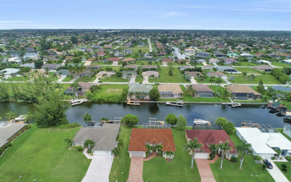 1819 SW 47th St, Cape Coral - Home For Sale 1839609341