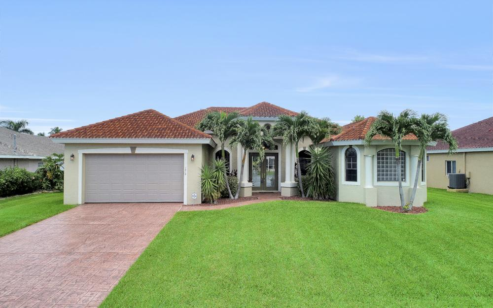 1819 SW 47th St, Cape Coral - Home For Sale 421849597