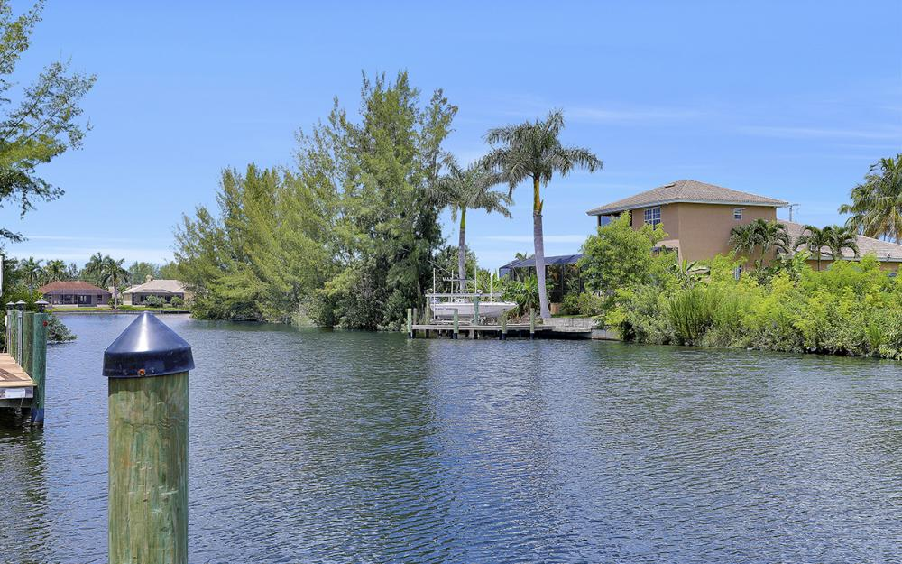 1819 SW 47th St, Cape Coral - Home For Sale 2057964352