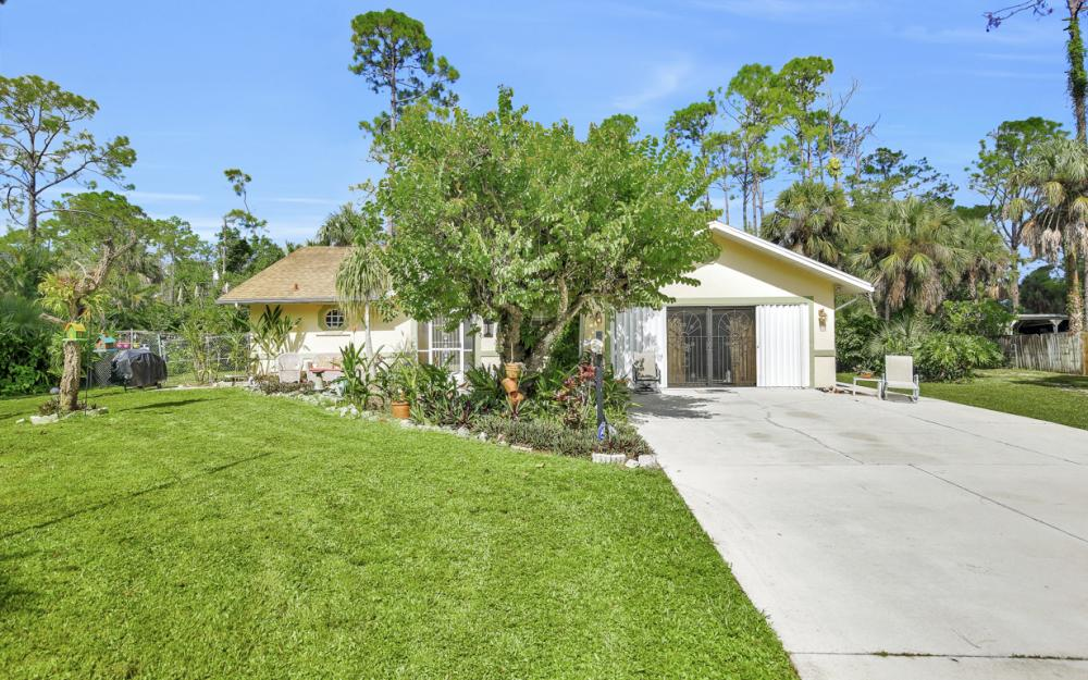 1371 17th St SW, Naples - Home For Sale 1864617740