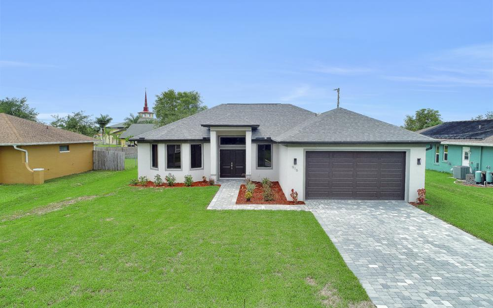 916 SW 7th Ave, Cape Coral - Model Home  1084036451
