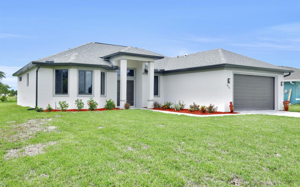 916 SW 7th Ave, Cape Coral - Model Home  734887310