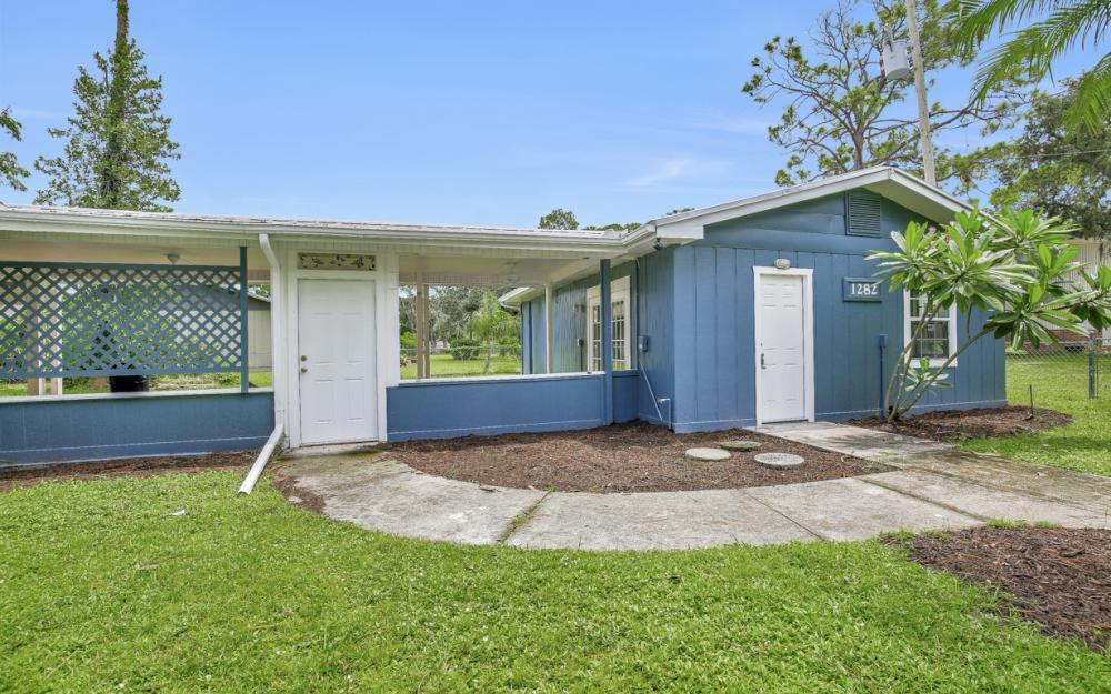 1282 Barrett Rd, N. Fort Myers - Home For Sale 2126622922