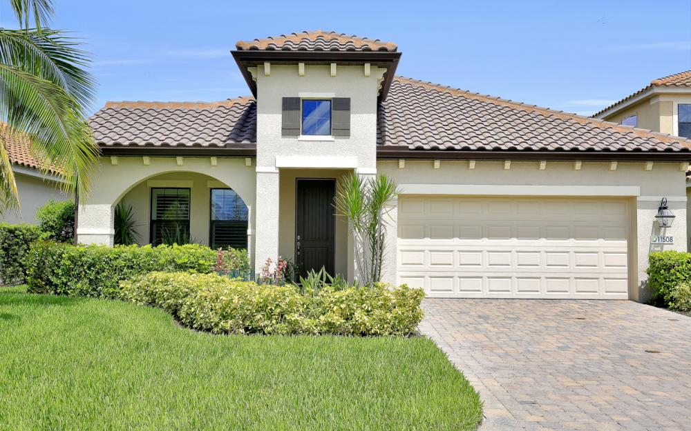 11508 Grey Egret Cir, Fort Myers - Home For Sale 113707838
