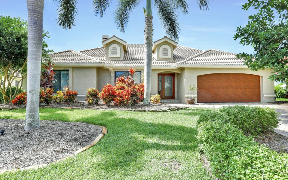9815 Leeward Ct, Fort Myers - Home For Sale 772904902