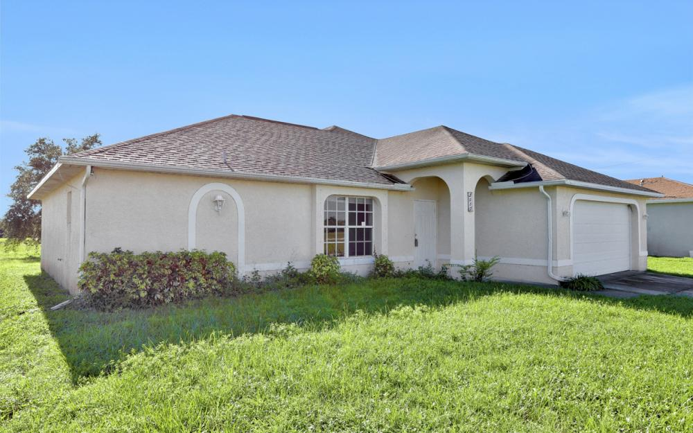 2005 NW 3rd Ave Cape Coral - Home For Sale 2063730211