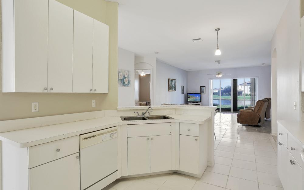 3016 Lake Manatee Ct, Cape Coral - Home For Sale 2067947445