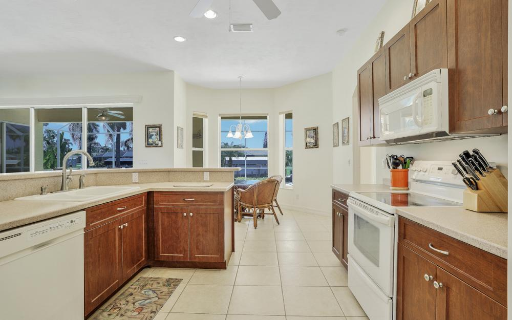 242 SW 45th St, Cape Coral - Home For Sale 1037293107